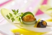 Amuse bouche d'endives au délice de poivrons jaunes