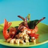 Gambas panés croustillantes, marinade d'huile d'olive à la banane et aux amandes, épinards pousse en salade de gilles choukroun
