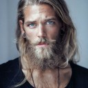 homme-a-barbe-blond