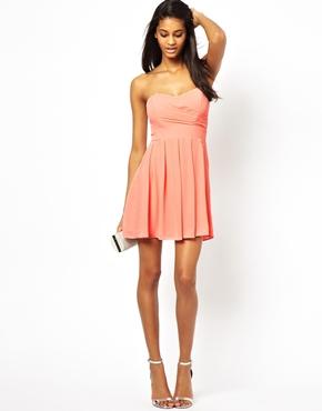 pour choisir une robe robe d 39 ete pas cher pour ado. Black Bedroom Furniture Sets. Home Design Ideas