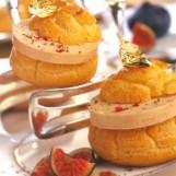 Profiteroles au foie gras et compotée de figues en feuilles d'or