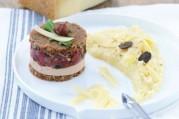 panini-de-canard-aux-noisettes-cremeux-de-pomme-ratte-au-gruyere-aop-suisse