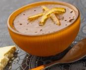Petits pots de chocolat à l'orange et biscuits