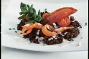 Salade tiède de lentilles au saumon, vinaigrette de yaourt