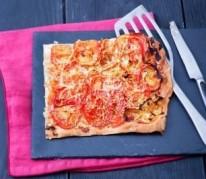 tarte-fine-aux-oignons-et-aux-tomates