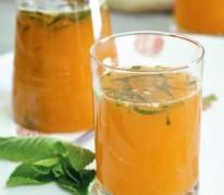 Cocktail tonique aux agrumes, au miel et à la menthe