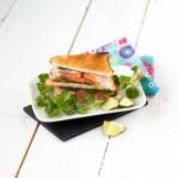 Club-sandwichs printanier au fromage frais et à la truite