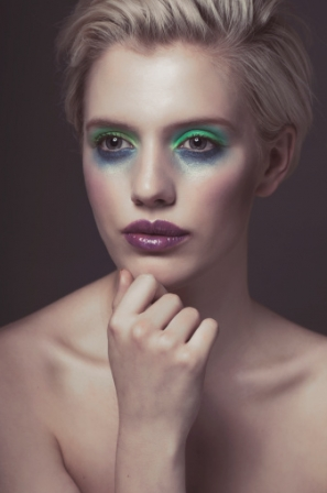 maquillage blonde yeux verts teint clair. Black Bedroom Furniture Sets. Home Design Ideas