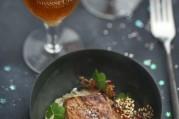 foie-gras-poele-puree-de-topinambour-tuile-au-sesame