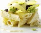 Salade de pâtes aux légumes de saison, mi-crus - mi-cuits