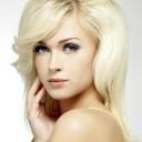 Maquillage blonde aux yeux bleus