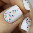 nail-art-sapins-multicolores