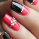 nail-art-strass-or-rouge-et-noir