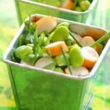 Salade de surimi et fèves aux fines herbes