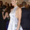 Gwyneth-Paltrow-side-boobs