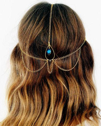 bijoux cheveux bijou de cheveux or et strass bleu diaporama beaut doctissimo. Black Bedroom Furniture Sets. Home Design Ideas