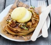 pancakes-rigotte-de-condrieu-aop-compotee-d-endives-noix