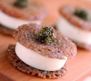 Mignardises de sarrasin, crème et caviar