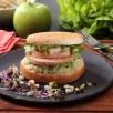 Burger au foie gras, jeunes pousses et pomme Grany Smith