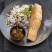 Saumon écossais label rouge grillé au chutney de mangue et coriandre, riz grillé