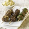 Brochettes teryaki de viande chevaline et salade de pommes de terre crémeuse