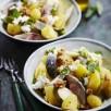 Salade de pommes de terre primeurs, poire, maquereau, chèvre, noix et basilic