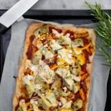 Focaccia au fromage et aux artichauts