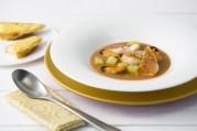 Bouillabaisse de Saint-Jacques et sa tartine croustillante de rouille au corail