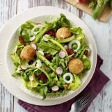 Salade d'été et billes de Chaource