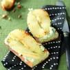 Crostini au roquefort et aux poires