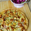 tarte pommes de terre, oignon rouge, lardons, oeuf