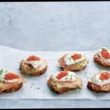 Crostini au saumon fumé de Norvège et au fromage