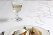 filet-de-poularde-de-bresse-farci-au-boudin-blanc-en-chaud-froid-de-fromage-blanc