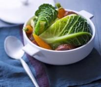potee-legere-au-chou-carottes-et-saucisse-de-morteau