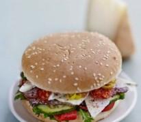 burger-au-pur-brebis-pyrenees-et-porc-basque