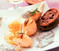 saint-jacques-poelees-au-romarin-et-vinaigrette-au-sainte-maure-de-touraine