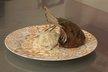 Carré d'agneau en croûte d'herbes, choucroute de navets