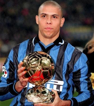 2002-Ronaldo_resize_diapo_h.jpg