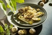 cotes-de-porc-aux-noix-endives-caramelisees